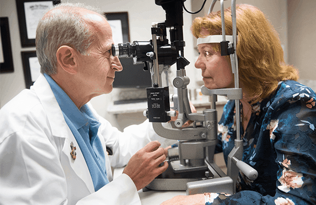 Paul Mitchell, MD performs cataract surgery at the Marietta Eye Clinic.