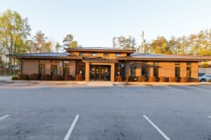 The Marietta Eye Clinic in Douglasville provides comprehensive ophthalmology and optometry services.